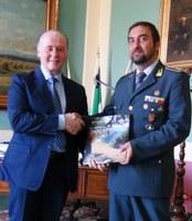 Incontro tra il presidente Giuseppe Raffa e il colonnello Claudio Petruzzelli