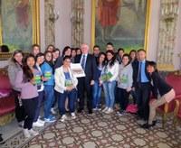 """Sede della Provincia, gli studenti del """"Piria"""" parlano di raccolta differenziata con il Presidente Raffa"""